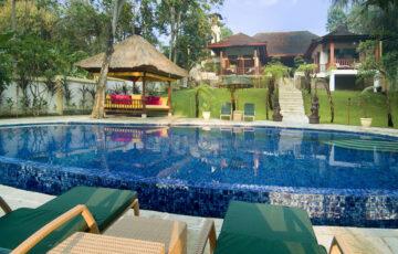 Villa Mako - Pool view to villa