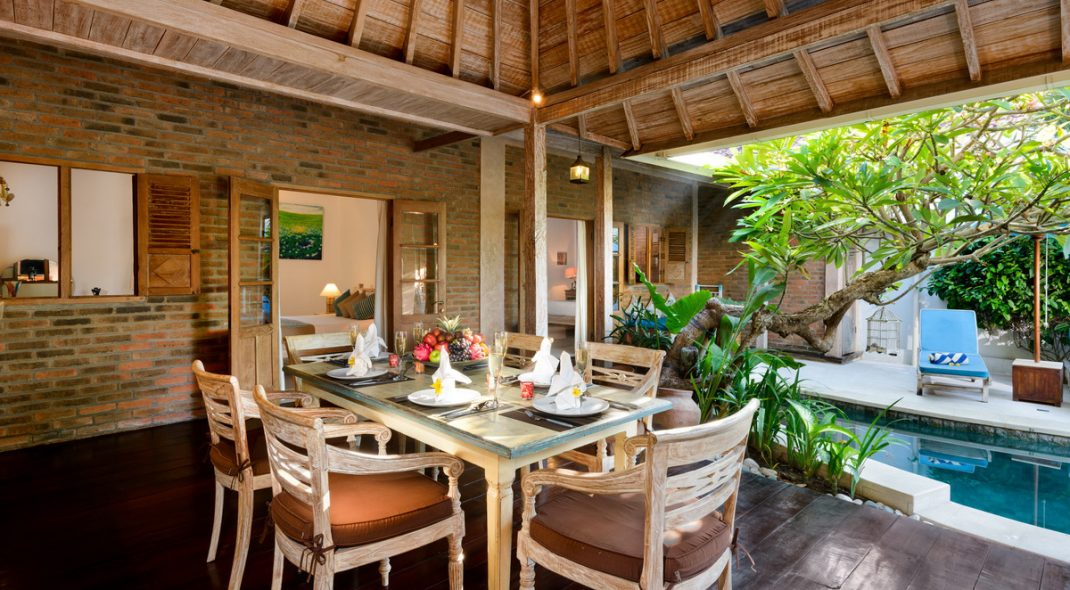 Villa Amsa, Seminyak - Dining and pool