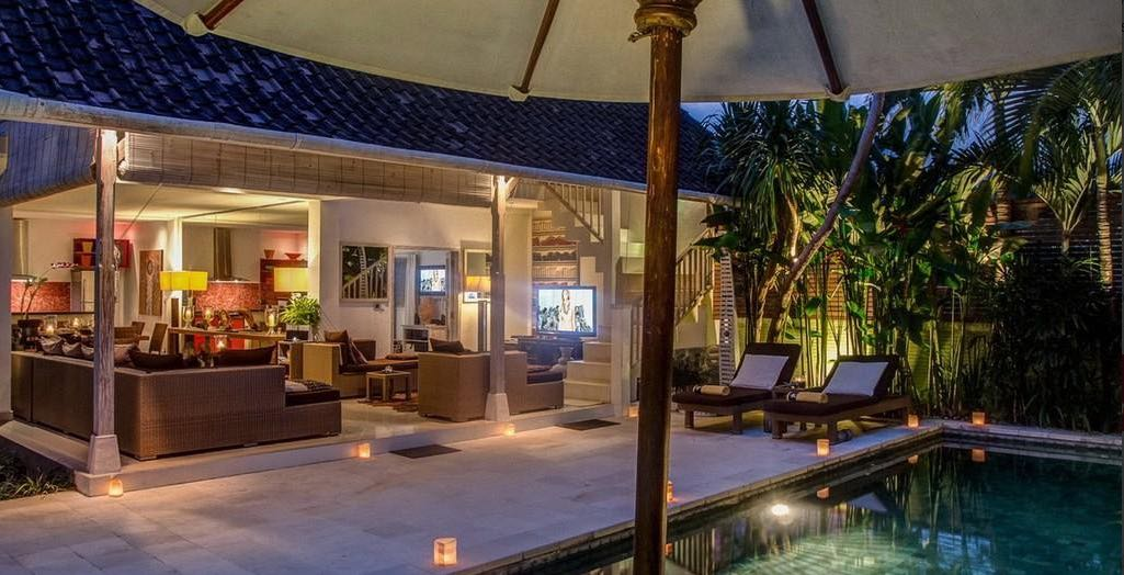Seminyak Bali Villas - Villa Rama Sita - Exterior Poolside