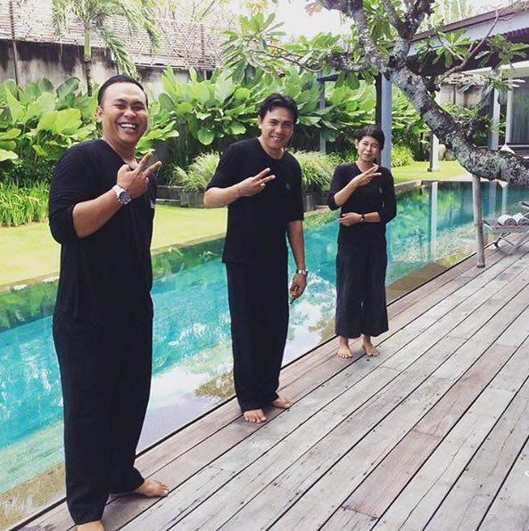 seminyak villas - villa issi, staff by pool