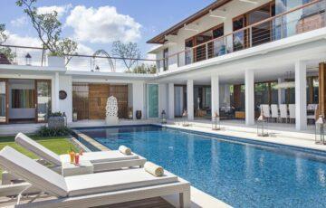 Villa Cendrawasih Seminyak Villas