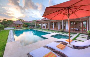 Ubud Bali Villas - Villa Griya Aditi poolside