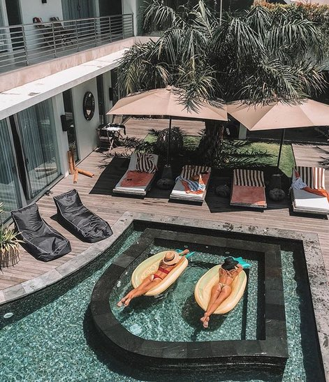 advantages of staying in a bali villa