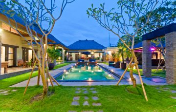Villa Mahkota Legian Bali Villas