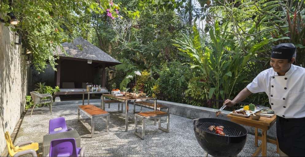 Villa Shinta Dewi outdoor dining - Bali Villas Ubud