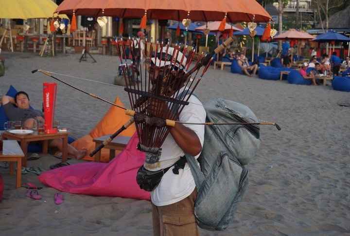 beach vendors bali
