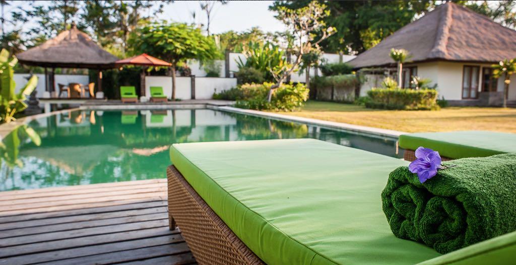 Villa Vastu pool bench - Bali Villas Ubud