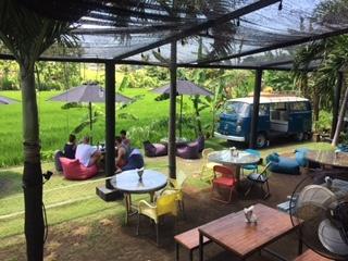 cloud-9-cafe-in-canggu