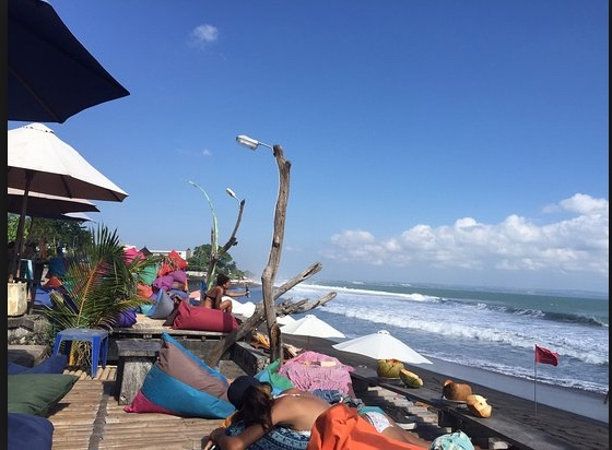 batubelig beach