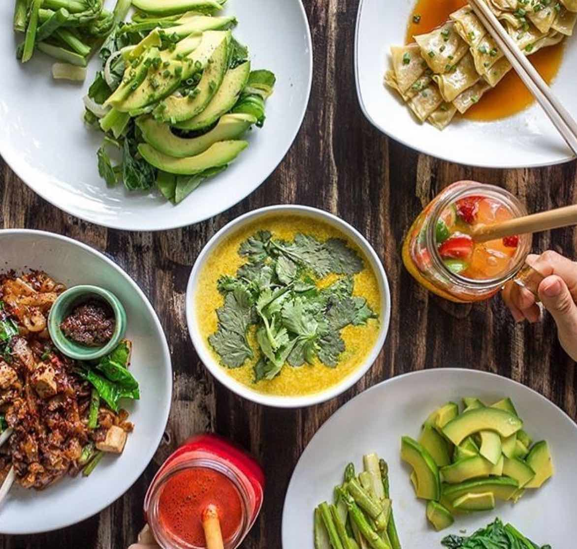 green ginger noodle house healhty cafes canggu