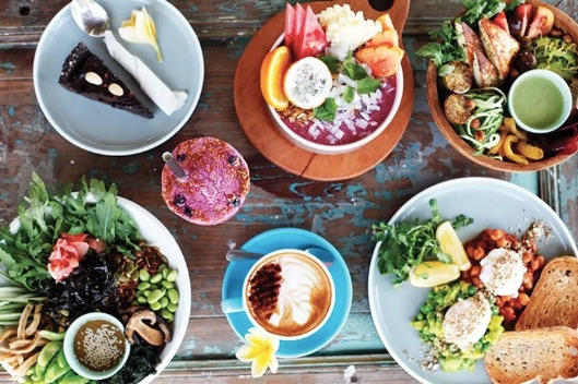 where to eat vegan food in seminyak or canggu