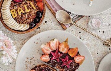 organic cafes in seminyak bali