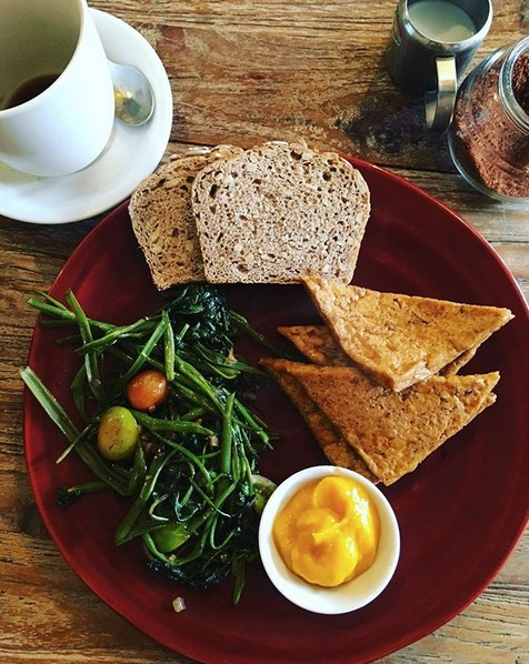 zula organic cafes in seminyak