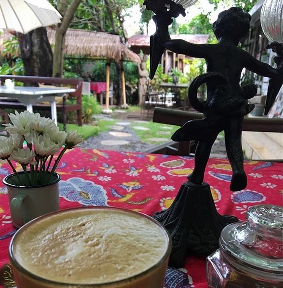 housewives on fire organic cafes in seminyak bali
