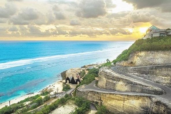 The High Cliff at Melasti Beach (Ungasan)
